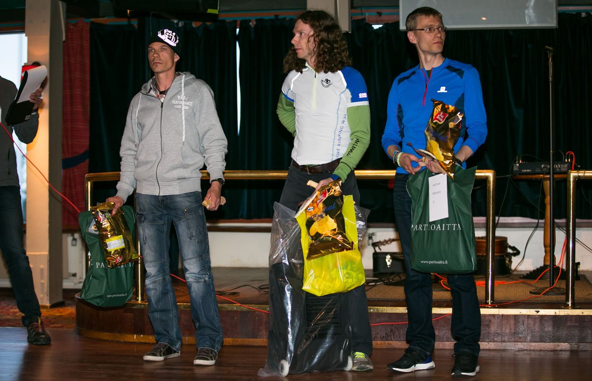 Karhunkierroksen kestävin kolmikko, 160km:n mitalistit Miika Lahtela, Mikael Heerman ja Markus Juvala. Kuva: Aapo Laiho